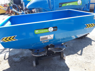 Distribuitor de îngrășăminte 1000 litri (azot), purtat, BUFER